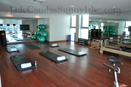 Jade Beach Yoga Room