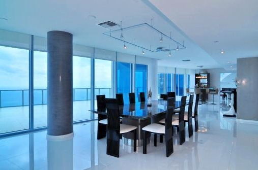 Jade Beach Penthouse Dining Room