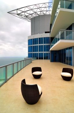 Jade Beach Penthouse 3 Level Sky Loft